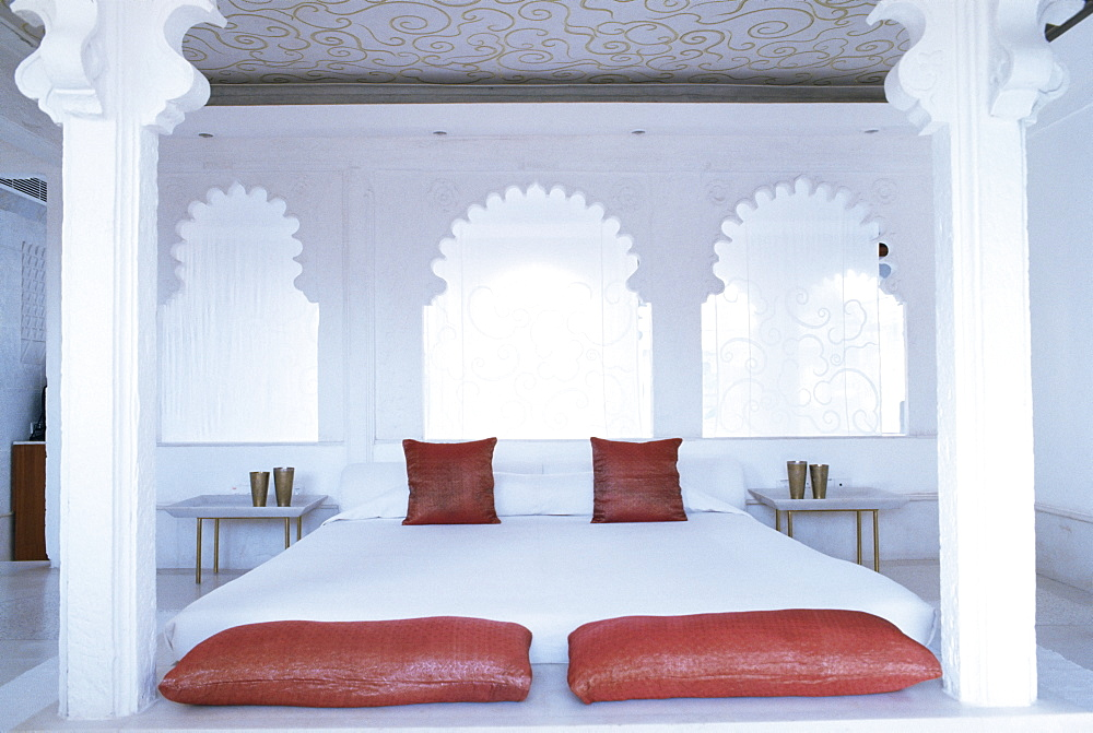 Bedroom suite with traditional cusped arches, Devi Garh Fort Palace Hotel, near Udaipur, Rajasthan state, India, Asia - 17-4313