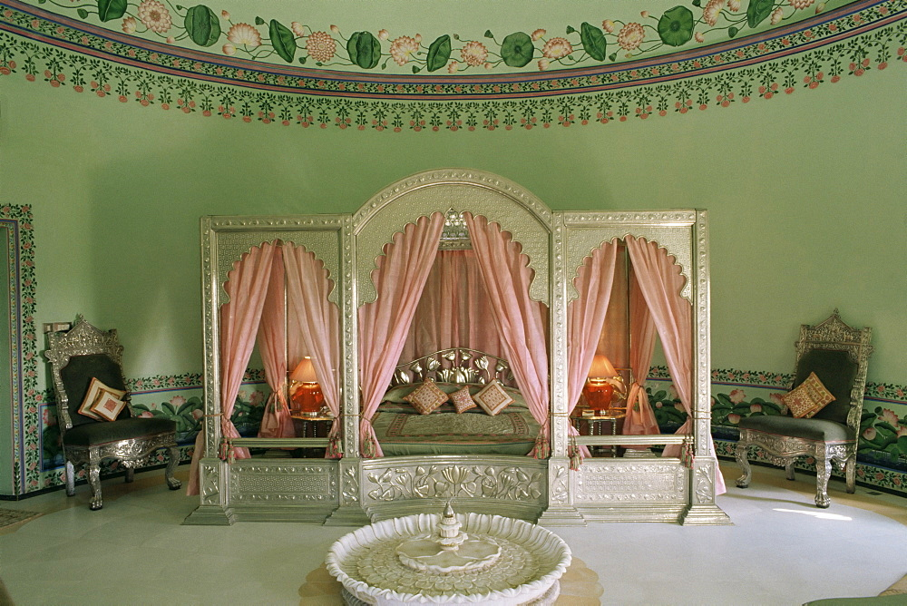 Bedroom, the Shiv Niwas Palace Hotel, Udaipur, Rajasthan state, India, Asia