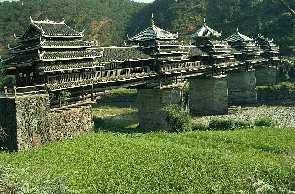 Dong Wind and Water Bridge, Chenyang Bridge, Guangxi Province, China, Asia - 188-5339