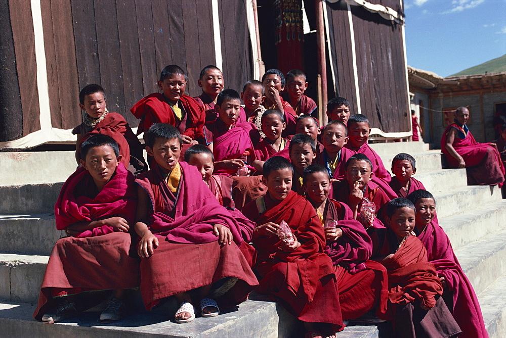 Derlong Red Sect monastery, Jigzhi, Qinghai, China, Asia - 188-5846