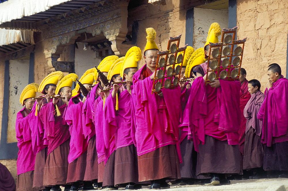 New Year (Losar) celebrations, Labrang Monastery, Gansu province, China, Asia