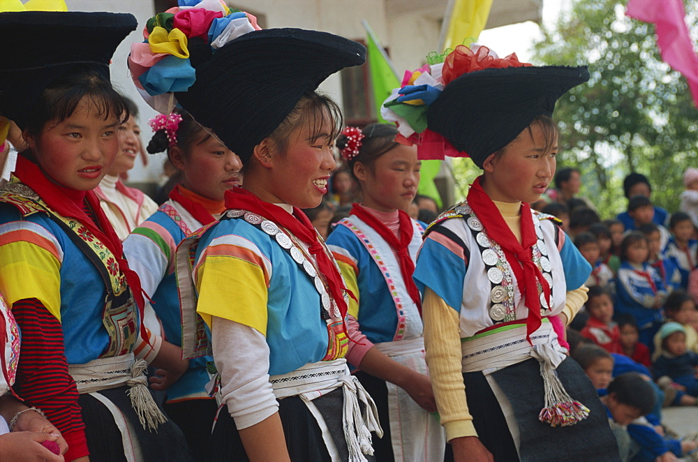 Cock Miao girls singing at performance, Guizhou, China, Asia - 188-6673