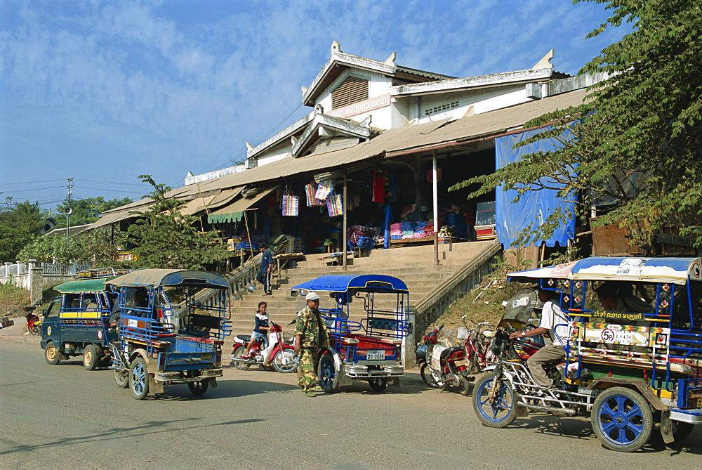 Central Market, Luang Prabang, Laos, Indochina, Southeast Asia, Asia - 188-6834