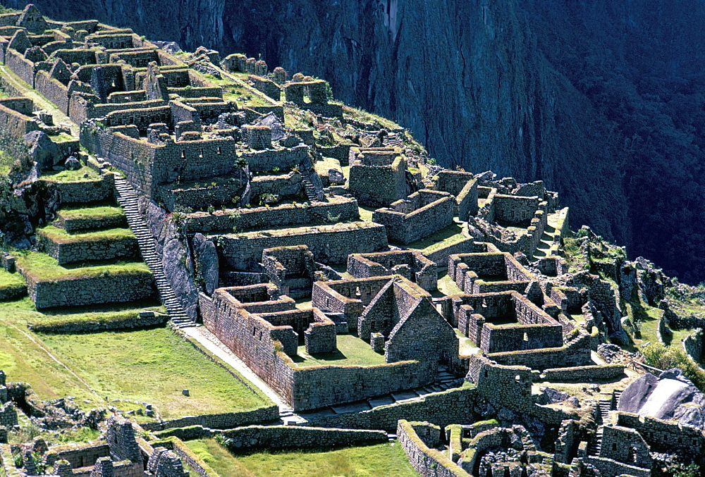 Ruins of Inca city in morning light, Machu Picchu, UNESCO World Heritage Site, Urubamba Province, Peru, South America