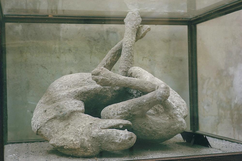 Cast of dog, Pompeii, Campania, Italy, Europe