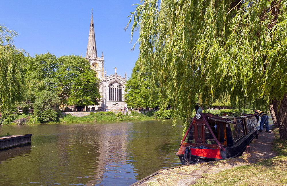 Holy Trinity Church, where William Shakespeare was baptised and buried, Stratford-upon-Avon, Warwickshire, England, United Kingdom, Europe - 190-9820