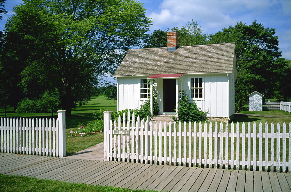 Wooden house, the birthplace of American president 1929 to 1933, Herbert Hoover, at West Branch, Iowa, United States of America, North America