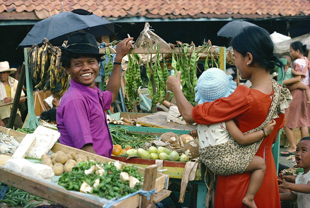 People in the market in Jakarta, Java, Indonesia, Southeast Asia, Asia