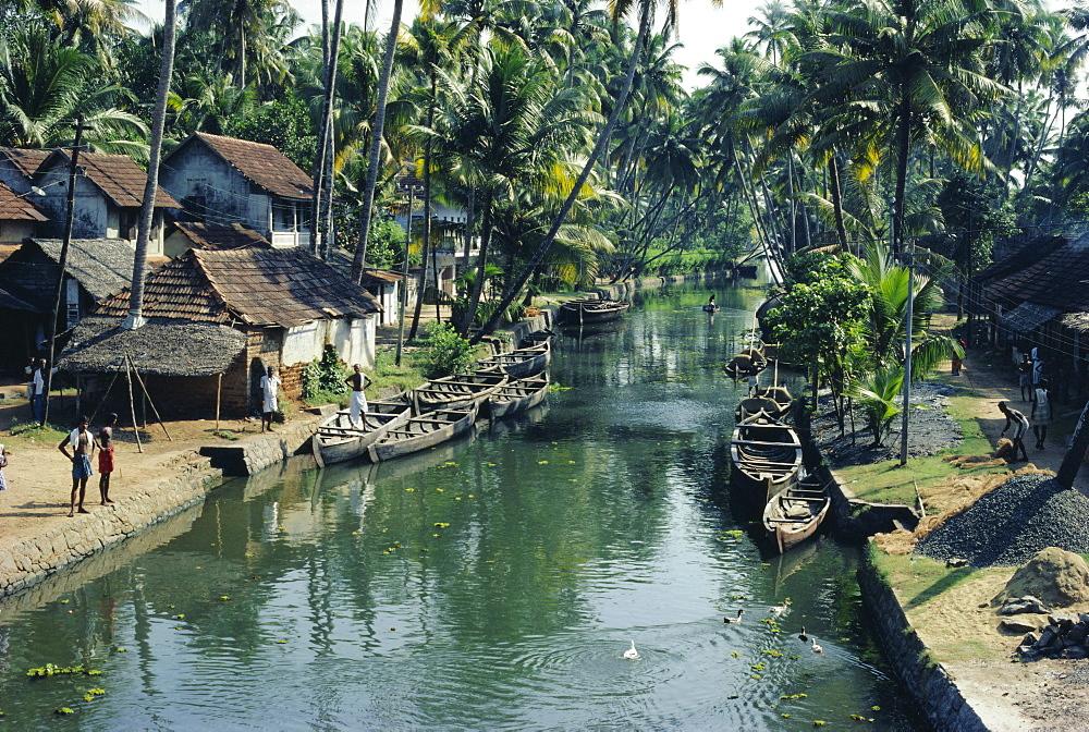 The backwaters, Kerala State, India, Asia