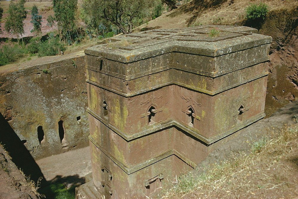 St. Giorgis (St. George's) rock cut church, Lalibela, Ethiopia, Africa - 2-3566