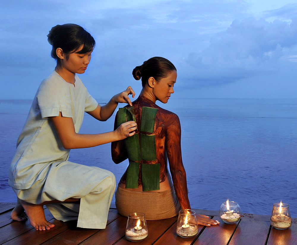 Chocolate body mask at the spa at Eskaya Beach Resort and Spa in Bohol, Philippines, Southeast Asia, Asia