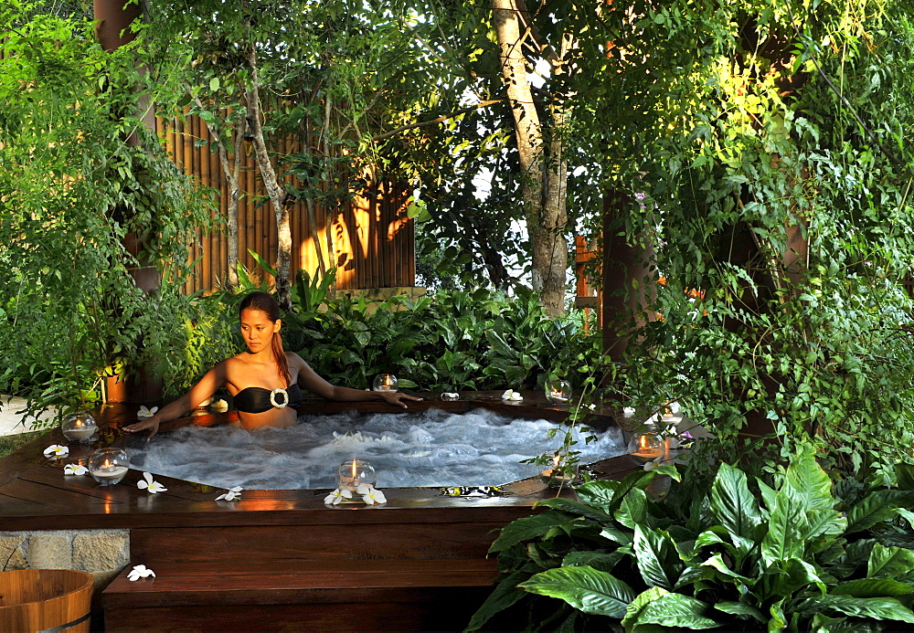 Girl in the Jacuzzi, Escaya resort and Spa, Bohol, Philippines, Southeast Asia, Asia