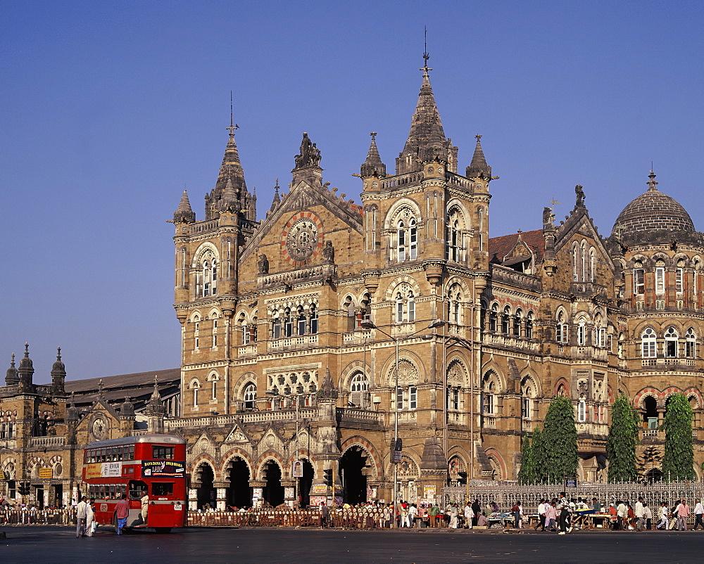 Mumbai Railway Station (Victoria Terminus) (Chhatrapati Shivaji), UNESCO World Heritage Site, India, Asia