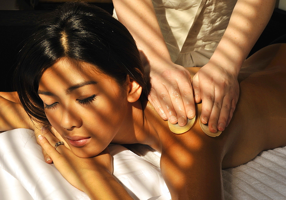 Coconut oil massage with shells, Le Spa at Sofitel Manila, Philippines, Southeast Asia, Asia - 238-5408