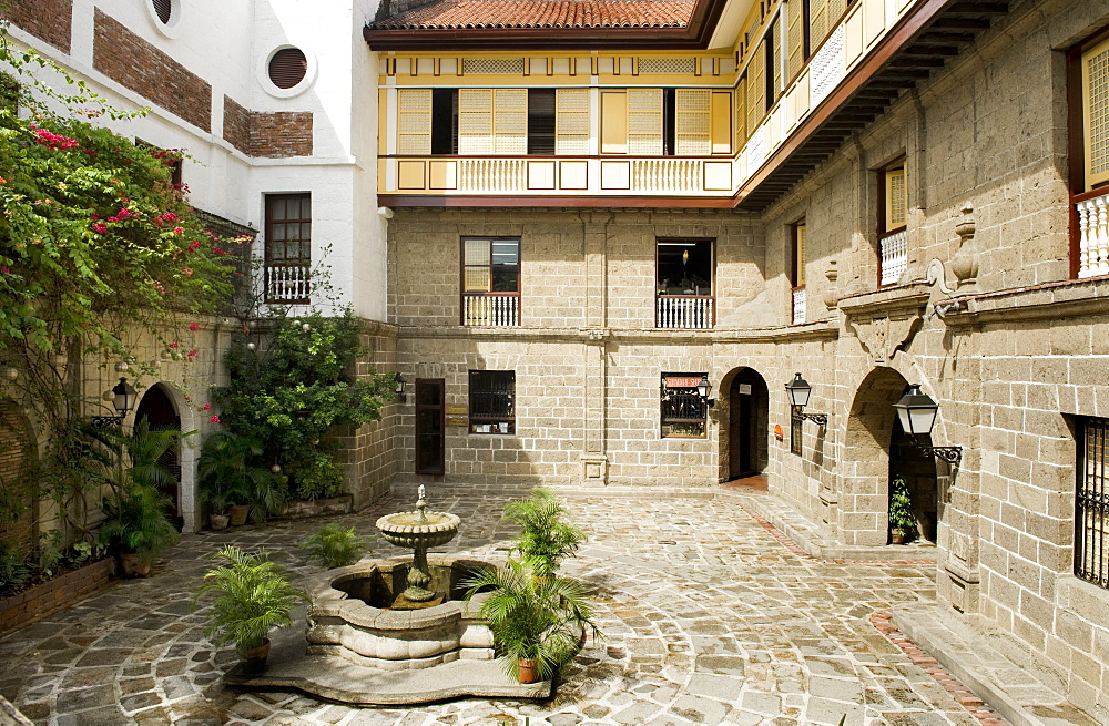 Courtyard of Casa Manila, a reconstructed example of Bahay na bato, the classic Filipino house, now a Museum, Intramuros, Manila, Philippines, Southeast Asia, Asia