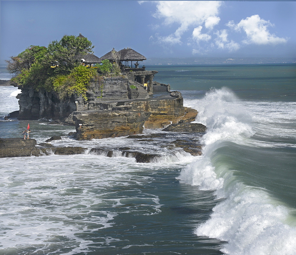 Tanah Lot temple, Bali, Indonesia, Southeast Asia, Asia