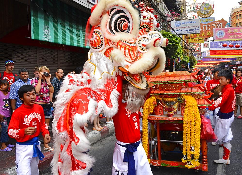 Lion dance, Chinatown, Bangkok, Thailand, Southeast Asia, Asia - 238-6323