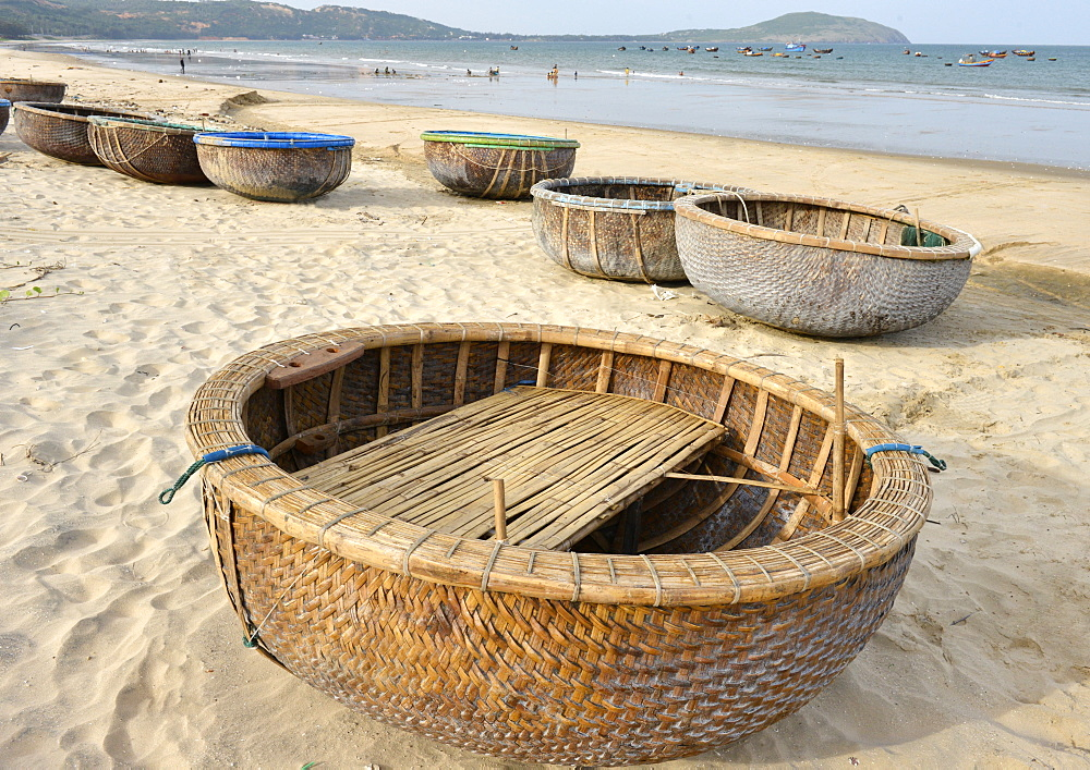 Basket tug boat, Phan Thiet, Vietnam, Indochina, Southeast Asia, Asia - 238-6334