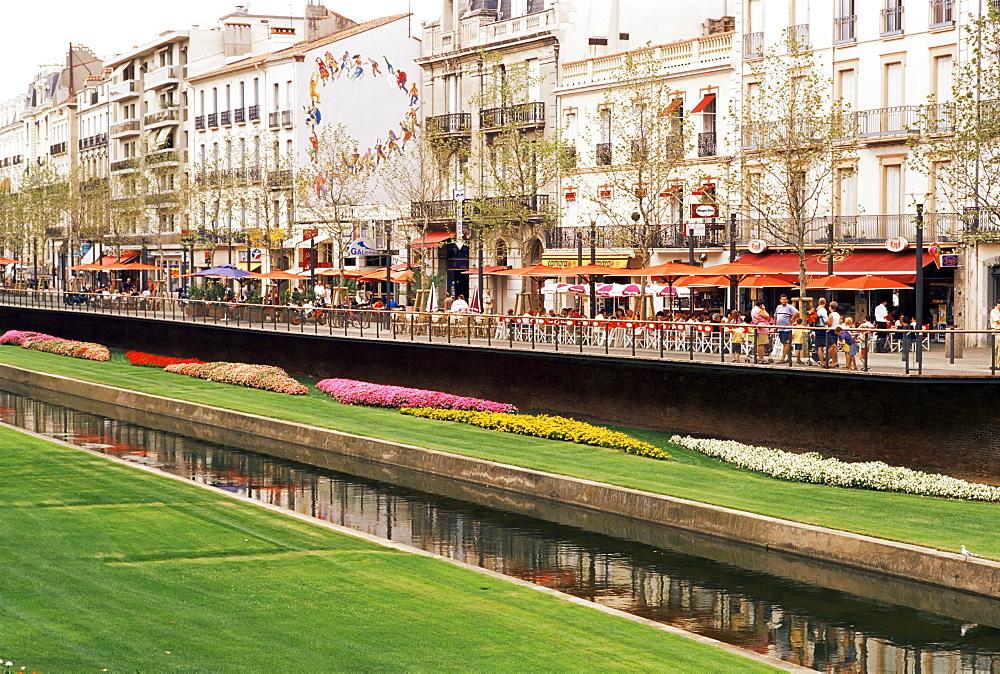 River Basse, Perpignan, Pyrenees-Orientale, Languedoc-Roussillon, France, Europe