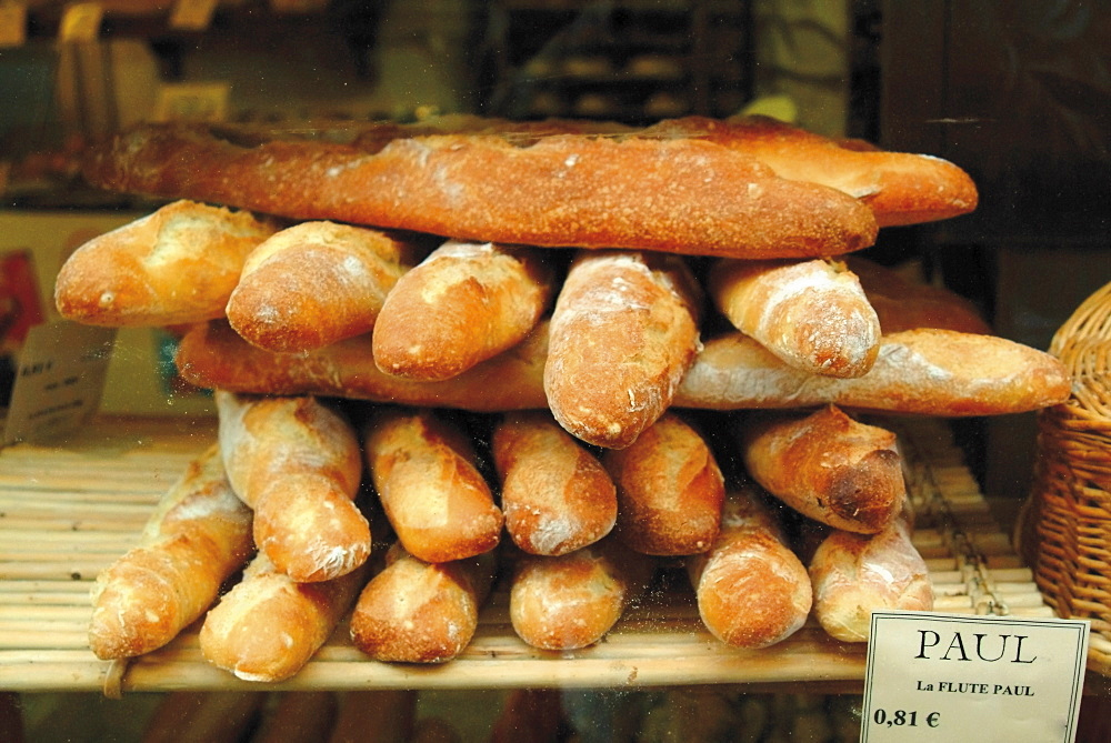 Baguettes in the window of the Paul bread shop, Lille, Flanders, Nord, France, Europe