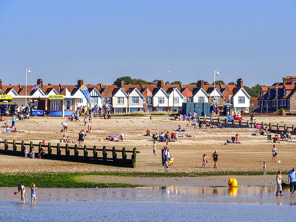 Tourist resort of Littlehampton, West Sussex, England, United Kingdom, Europe - 255-9006