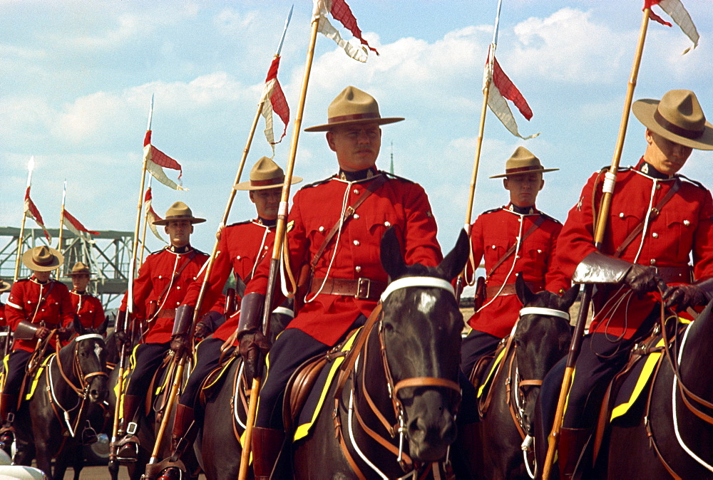Mounties, Canada, North America - 260-1352