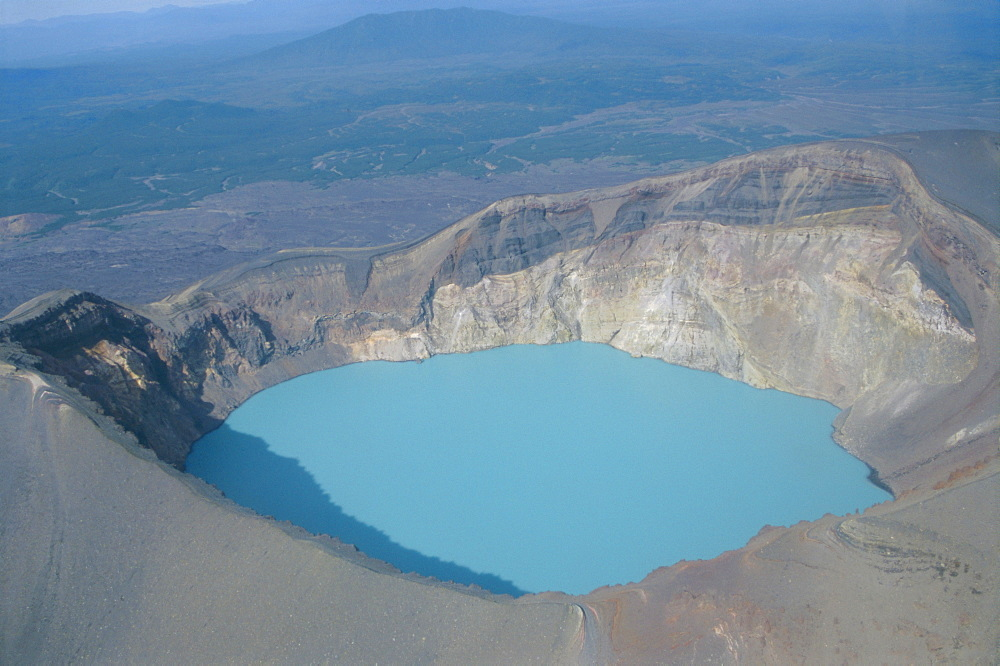 Malyi Semyachik volcano, acid lake inside summit crater, Kamchatka, East Siberia, Russia