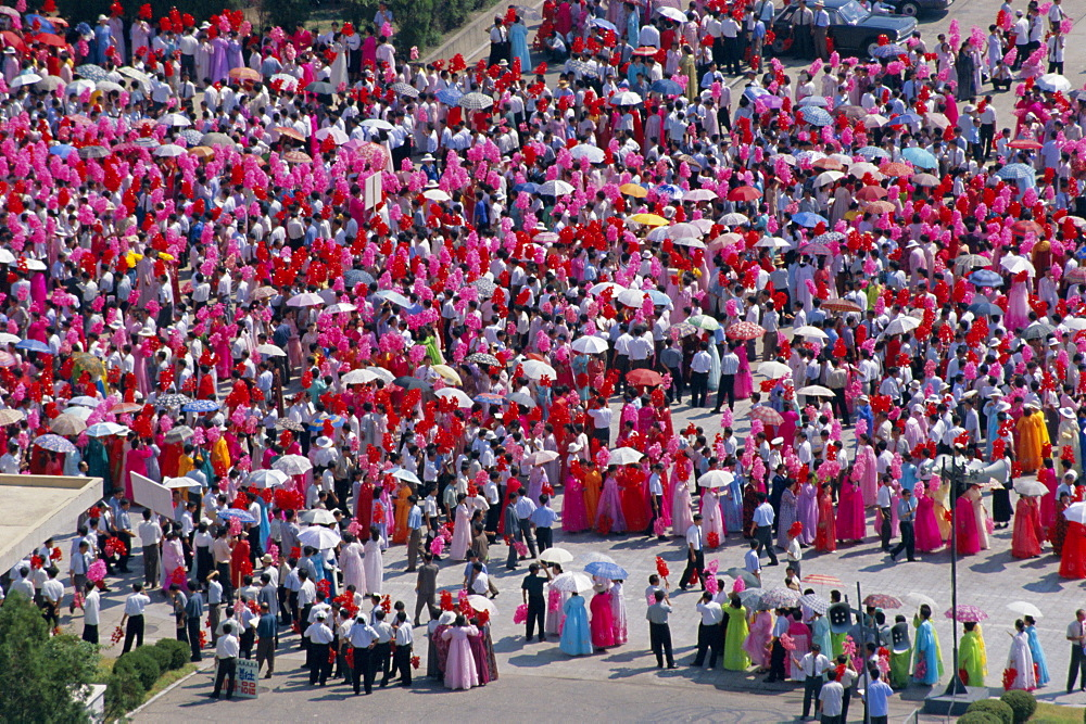 Women in national dress parade in Kim Il Sung Square for state visit, Pyongyang, North Korea, Asia