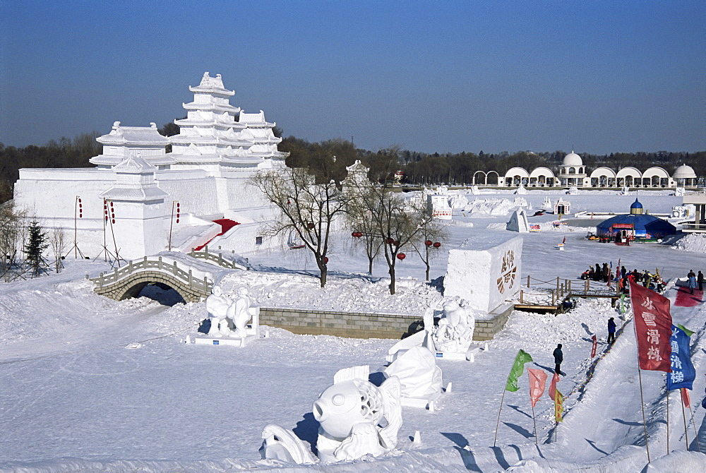 Snow sculptures in Taiyangdao Park, Ice Lantern Festival, Bingdeng Jie, Harbin city, Heilongjiang, China, Asia