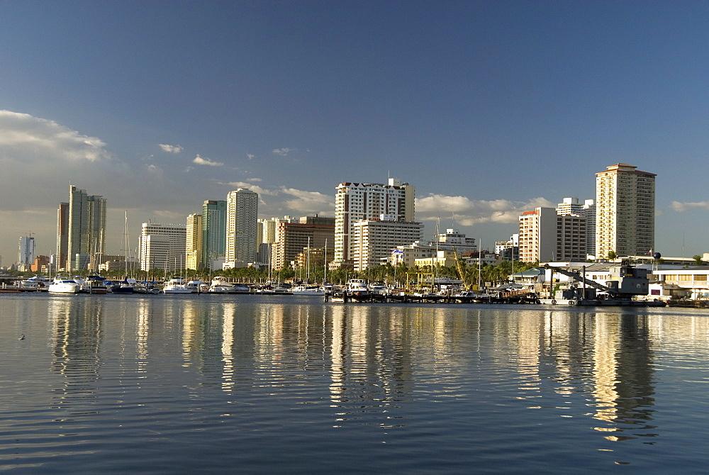Malate district on shore of Manila Bay, Manila, Philippines, Southeast Asia, Asia