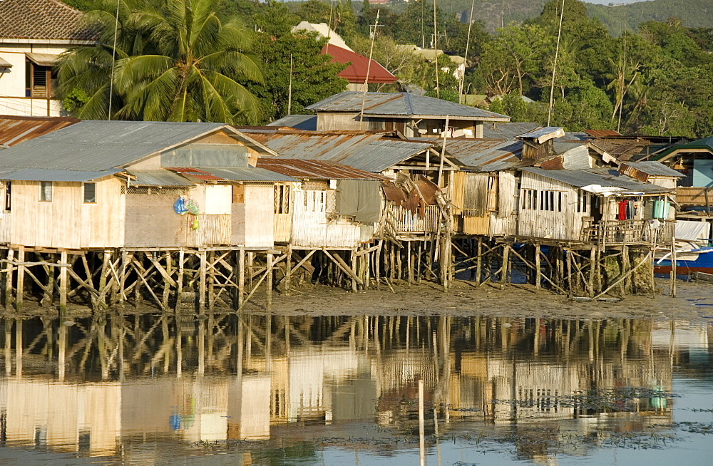 Stilt houses by old port, Tagbilaran, capital of Bohol, Philippines, Southeast Asia, Asia
