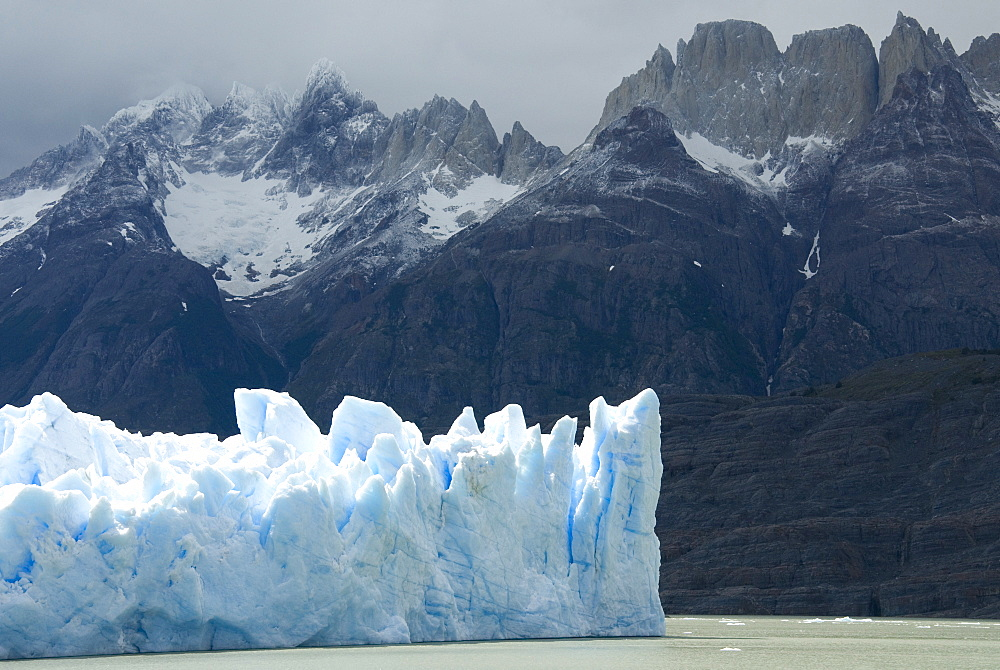 Face of Glaciar Grey (Grey Glacier) on Lago de Grey, Torres del Paine National Park, Patagonia, Chile, South America