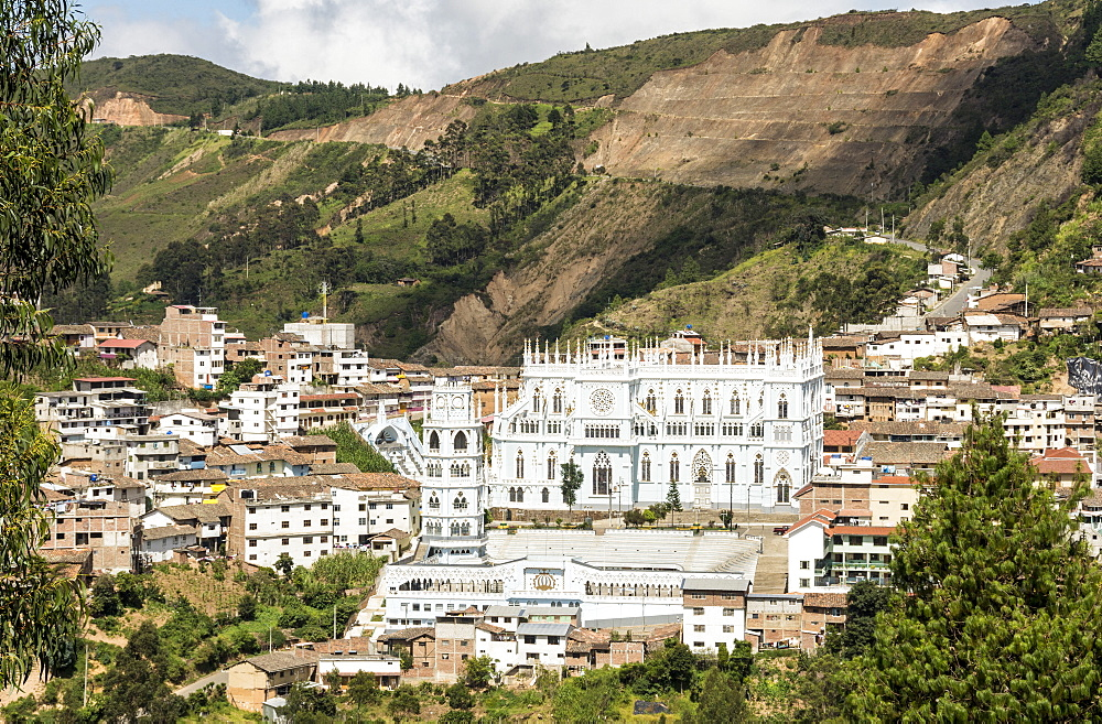 El Santuario de la Virgen del Cisne, in village of El Cisne, near Loja, Southern Highlands, Ecuador, South America - 29-5428
