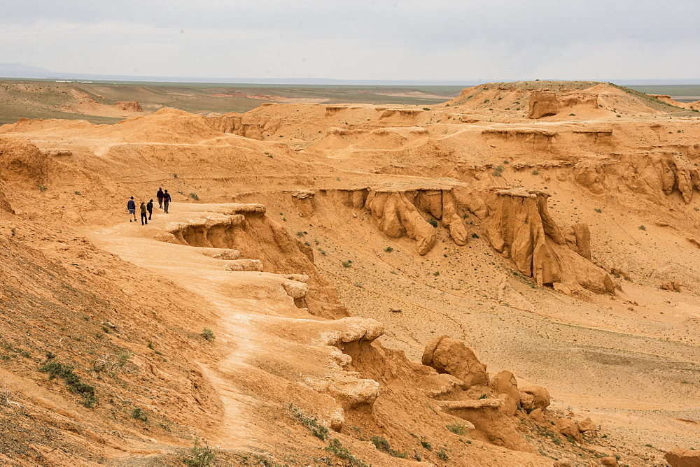 Bayanzag Cliffs, site of dinosaur fossil discoveries, Dalanzadgad, Gobi Desert, southern Mongolia, Asia - 29-5523