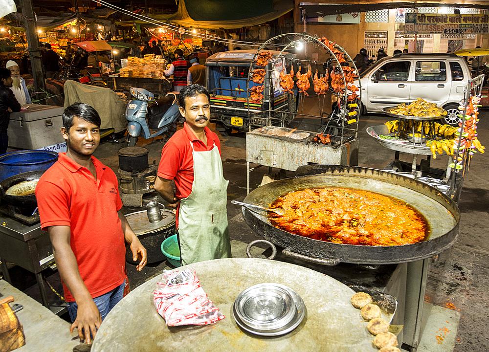 Chandpol Bazaar, Jaipur, Rajasthan, India, Asia