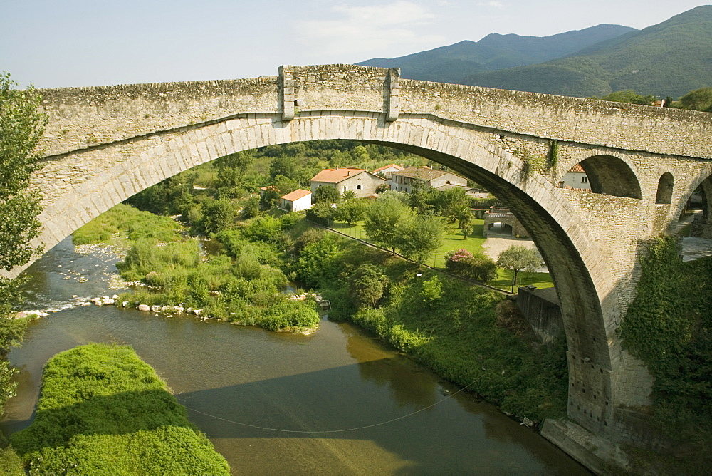 Devils Bridge and River Tech, Ceret, Vallespir, Languedoc-Roussillon, France, Europe
