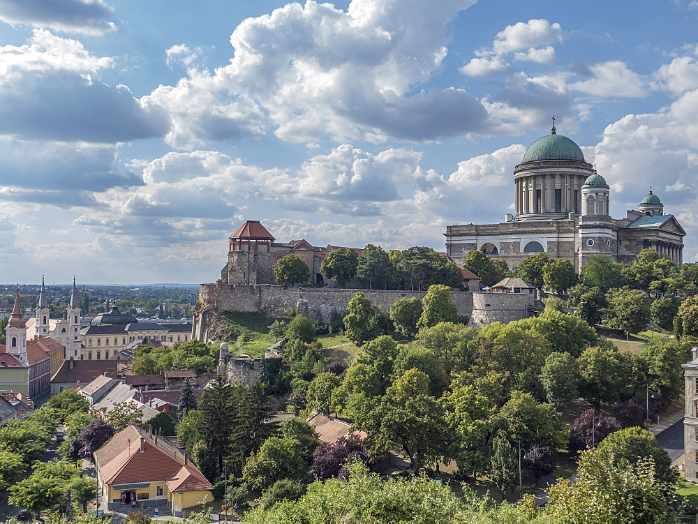 Castle and Basilica, Esztergom, Danube bend, Hungary, Europe