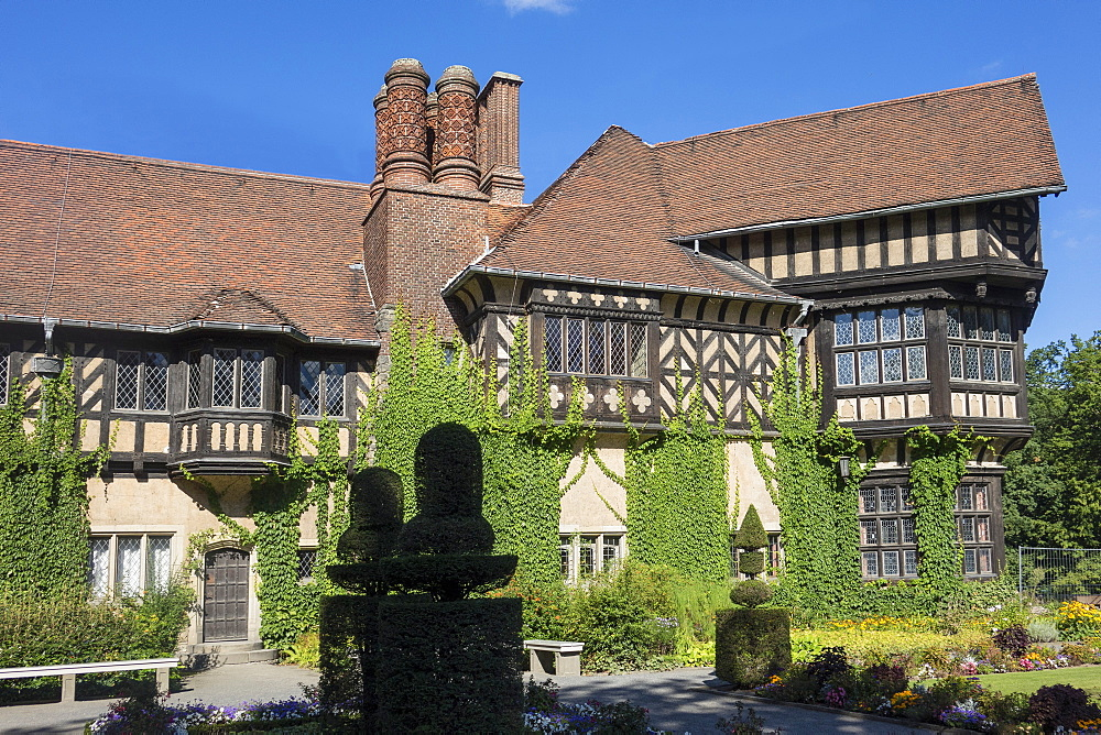 Schloss Cecilienhof, scene of the 1945 Conference at the end of World War II, Potsdam, Brandenburg, near Berlin, Germany, Europe - 306-4409