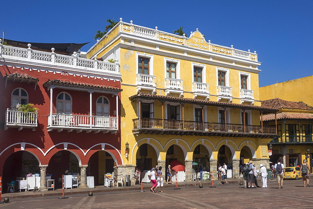 Plaza de los Coches, Cartagena, Colombia, South America - 306-4421