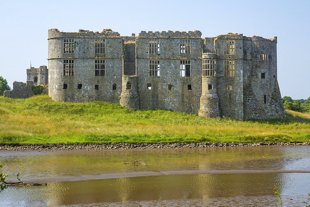 Carew Castle, Pembrokeshire, Wales, United Kingdom, Europe - 306-4467