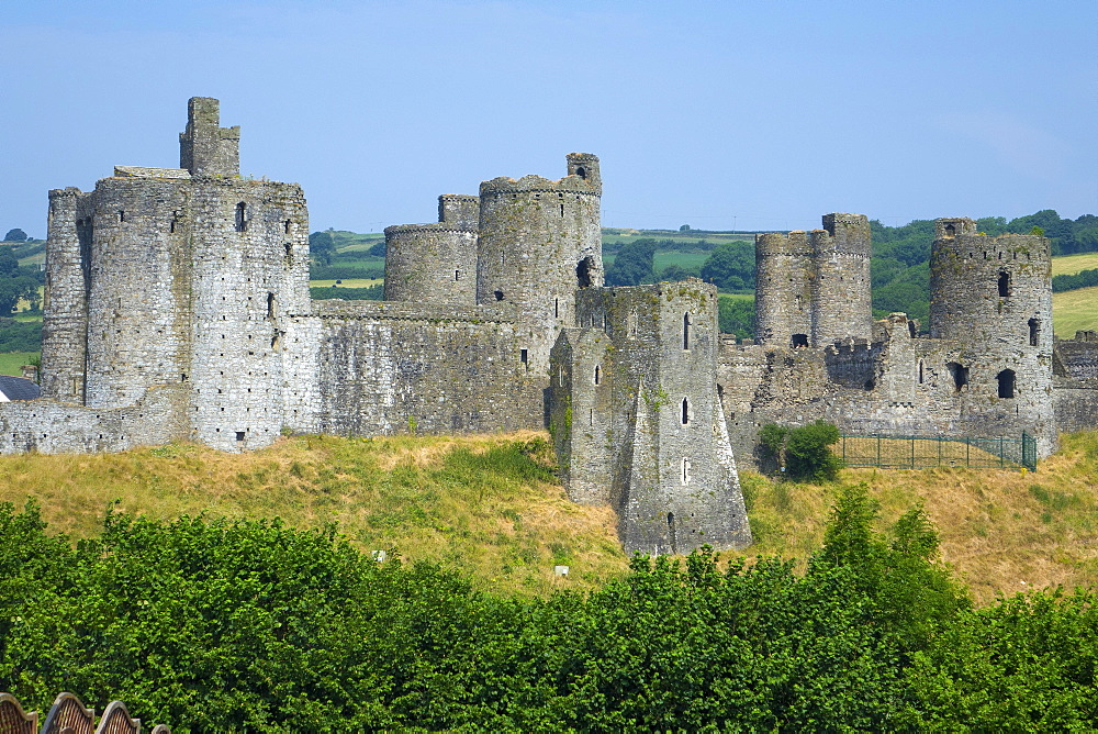 Kidwelly Castle, Carmarthenshire, Wales, United Kingdom, Europe - 306-4470
