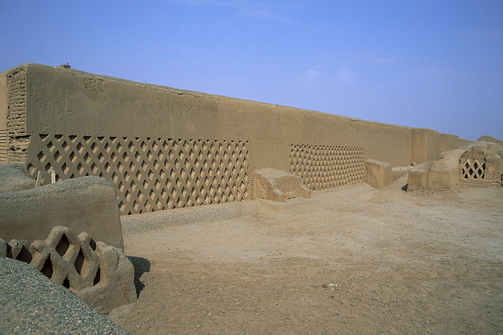 Ruined capital of the Chimu empire, Chan Chan, UNESCO World Heritage Site, near Trujillo, Peru, South America
