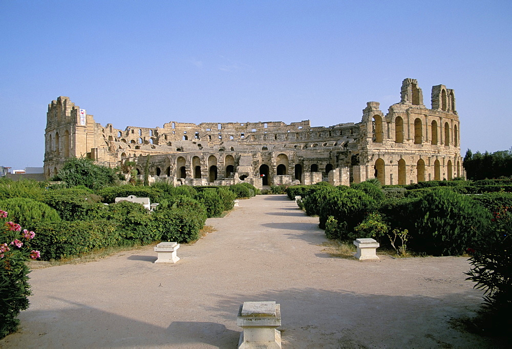 The Collosseum, El Jem (El Djem), UNESCO World Heritage Site, Tunisia, North Africa, Africa