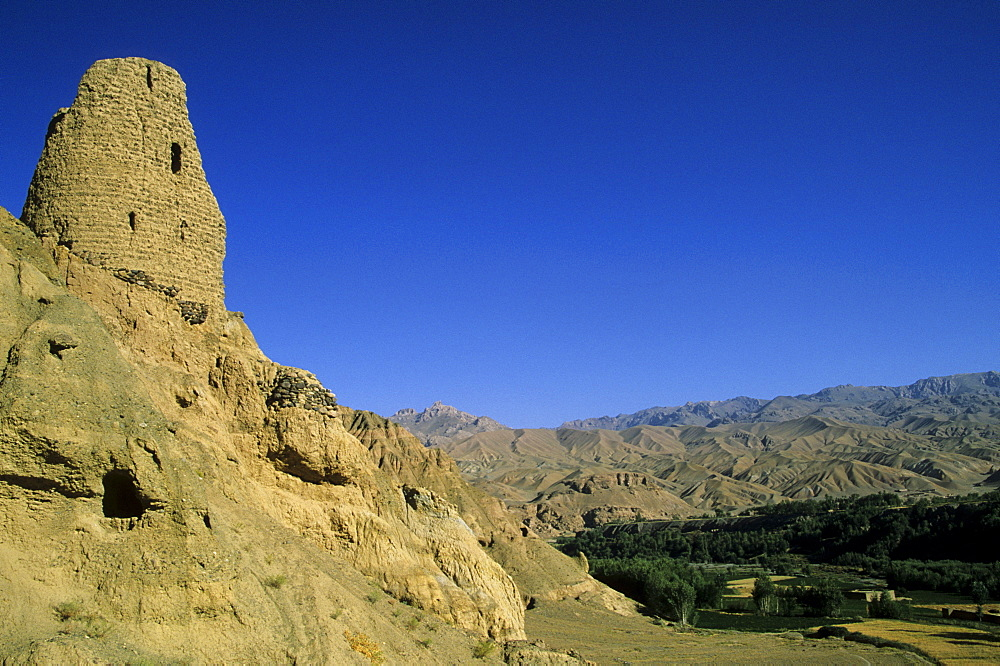 Ruined citadel of Shahr-e-Gholgola (City of the Screaming) (City of Noise), destroyed by Genghis Khan in 1221 AD, Bamiyan, Afghanistan, Asia