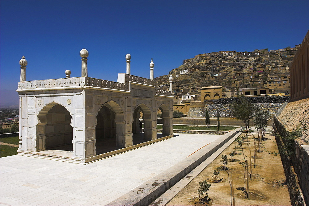 White marble mosque built by Shah Jahan, Gardens of Babur, Kabul, Afghanistan, Asia