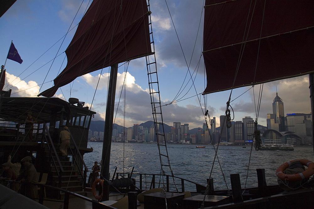 Junk sailing on Victoria Harbour, Hong Kong, China, Asia