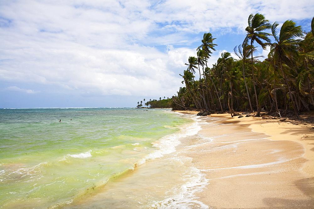 Beach in north east of island, Little Corn Island, Corn Islands, Nicaragua, Central America