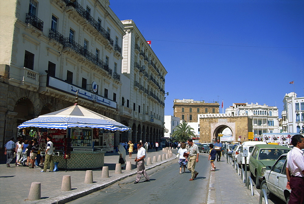 The Avenue Bourguiba and the Place De La Victoire End, Tunis, Tunisia, North Africa, Africa