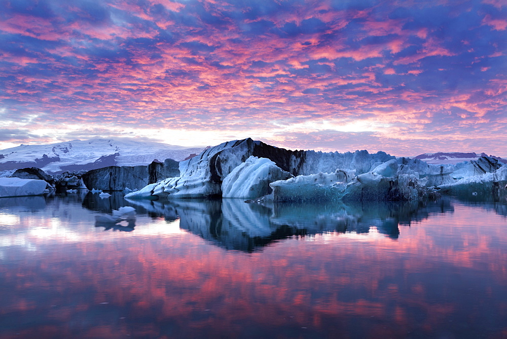 Amazing sunset over over Jokulsarlon Glacial Lagoon, South Iceland, Polar Regions