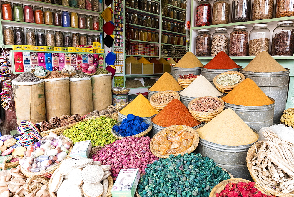 Display of spices and pot pourri in spice market (Rahba Kedima Square) in the souks of Marrakech, Morocco, North Africa, Africa - 321-5848